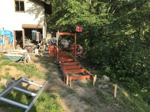 ウッドマイザー製材機 小谷村のログハウスビルダー様に納入
